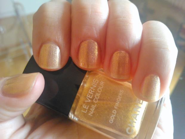 smalto chanel gold fingers