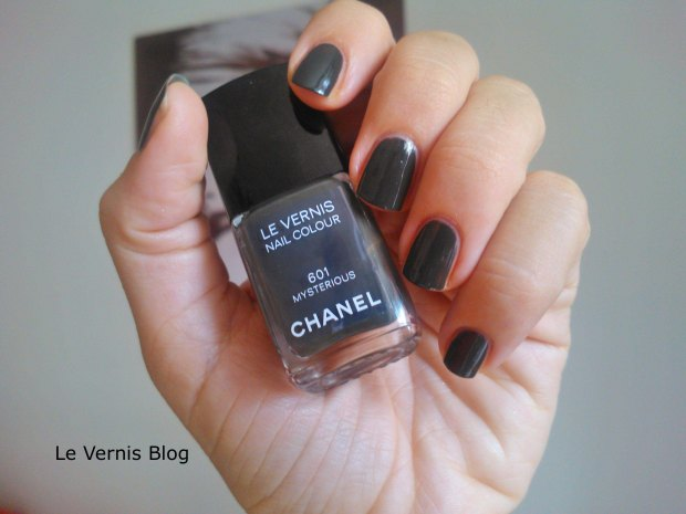 Chanel nail polish Mysterious