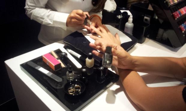 manicure cosmic